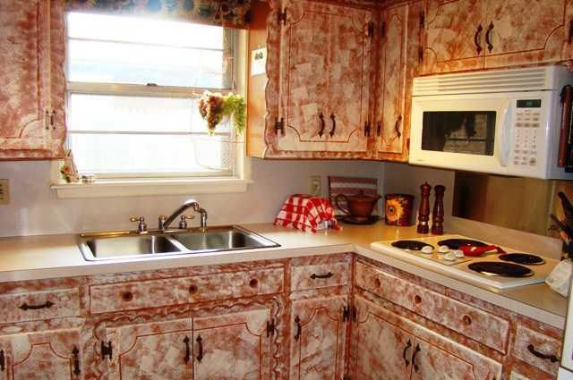 Hire-an-Kitchen-Designer-Midland-Park-NJ-ugly-Kitchen